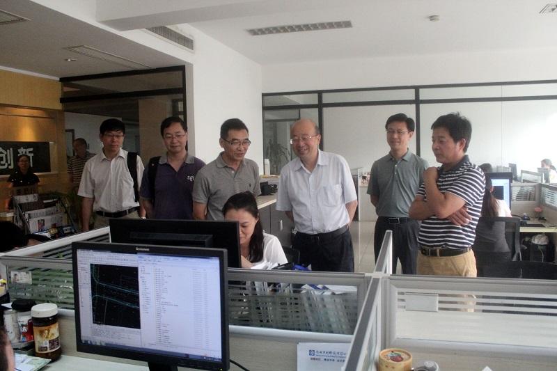 南通市国土资源局副局长徐晖等陪同调研,省局国土测绘处相关人员参加
